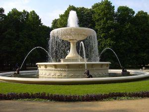 800px-Saxon_Garden_Fountain